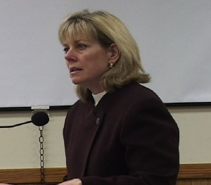 Inyo Auditor-Controller Leslie Chapman picked for Mono Finance Director spot.